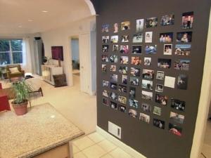 магнитная стена в гостиной