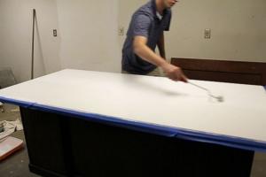Покрасить стол маркерной краской можно своими руками