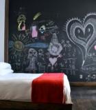 Грифельная краска в спальне