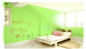 Детская комната с бесцветной маркерной краской